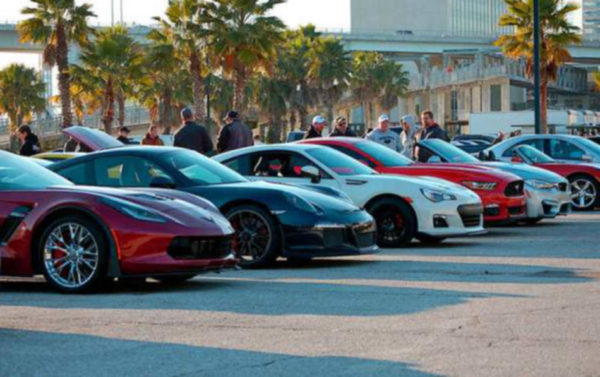 Sports cars for rent in Abu Dhabi